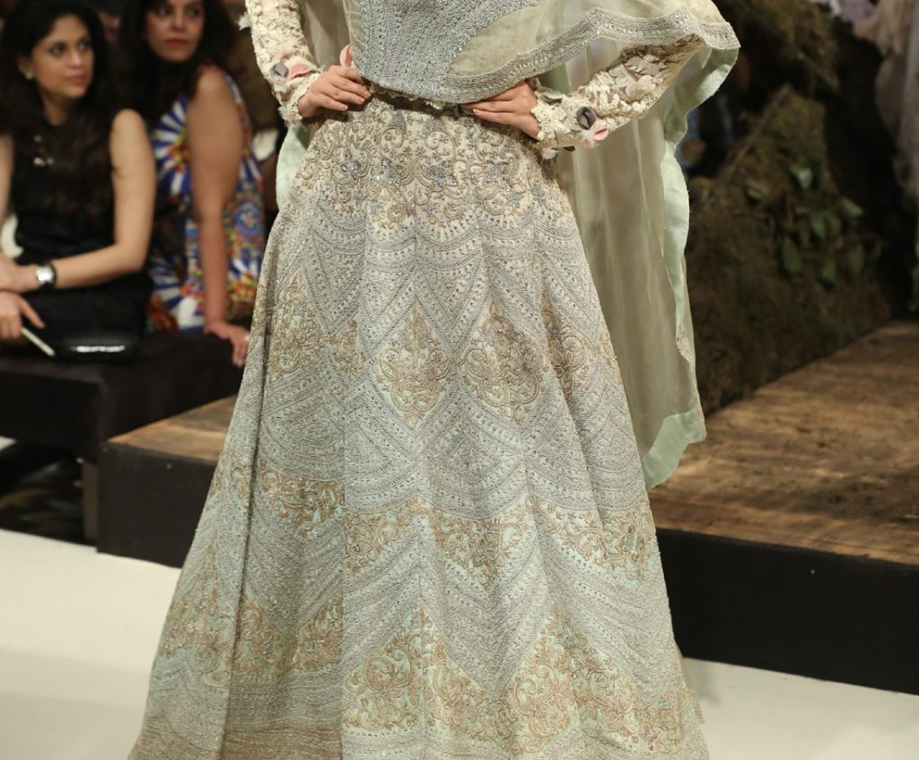Anamika Khanna FDCI India Couture Week 2016 Textile Craft