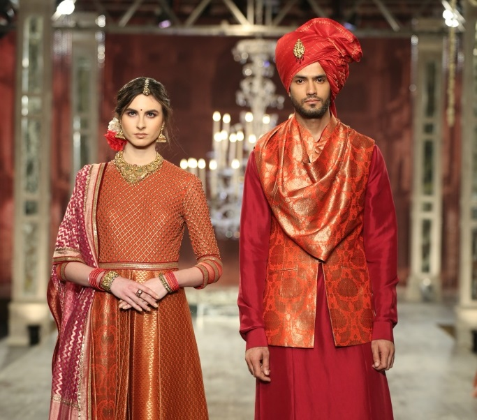 Tarun Tahiliani India Couture Week Textile Craft couple