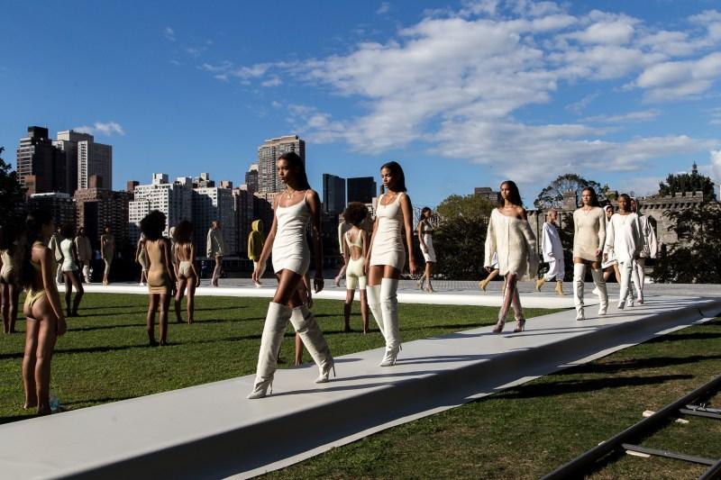 kanye-west-yeezy-season-4-fashion-show