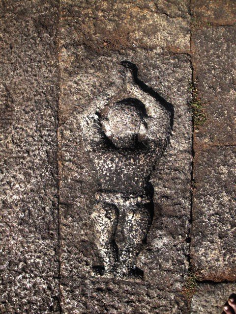 Chembakassery sculpture dating to 1st Chera Kingdom, Sangam era - depicts minimalist loin cloth draped on lower body.