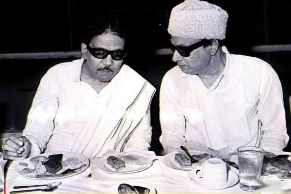 Kalaignar Karunanidhi & MGR wearing black glasses